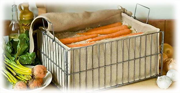морковь в ящике с опилками